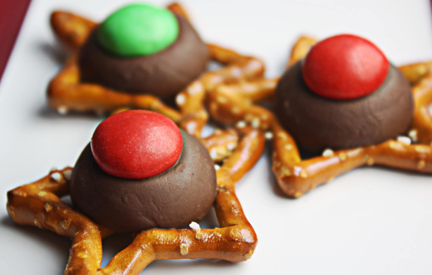 How to Make Quick and Easy Christmas Pretzel Cookies