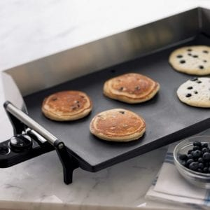 Easily Clean a Griddle