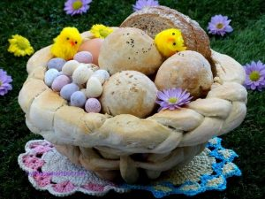 Bread Dough Easter Baskets