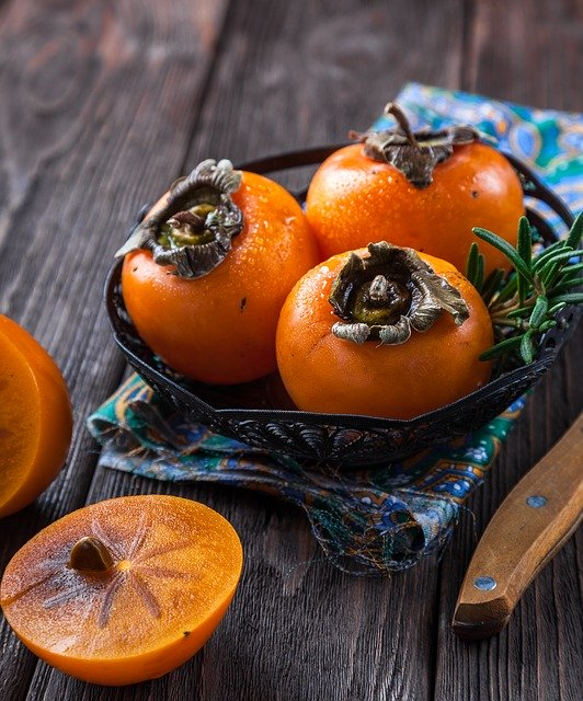 How to Buy, Store and Bake Persimmons