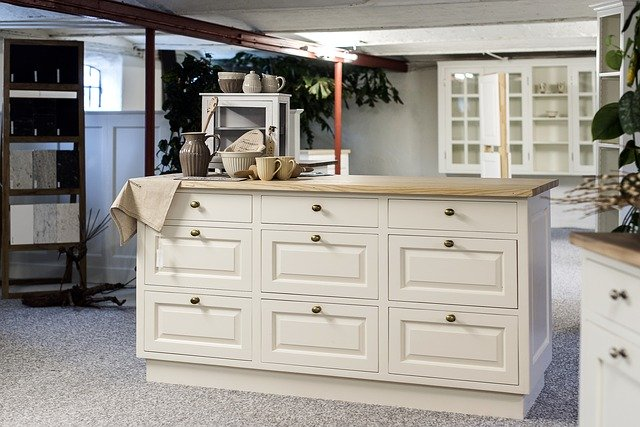 Are White Kitchen Cabinets Out of Style?